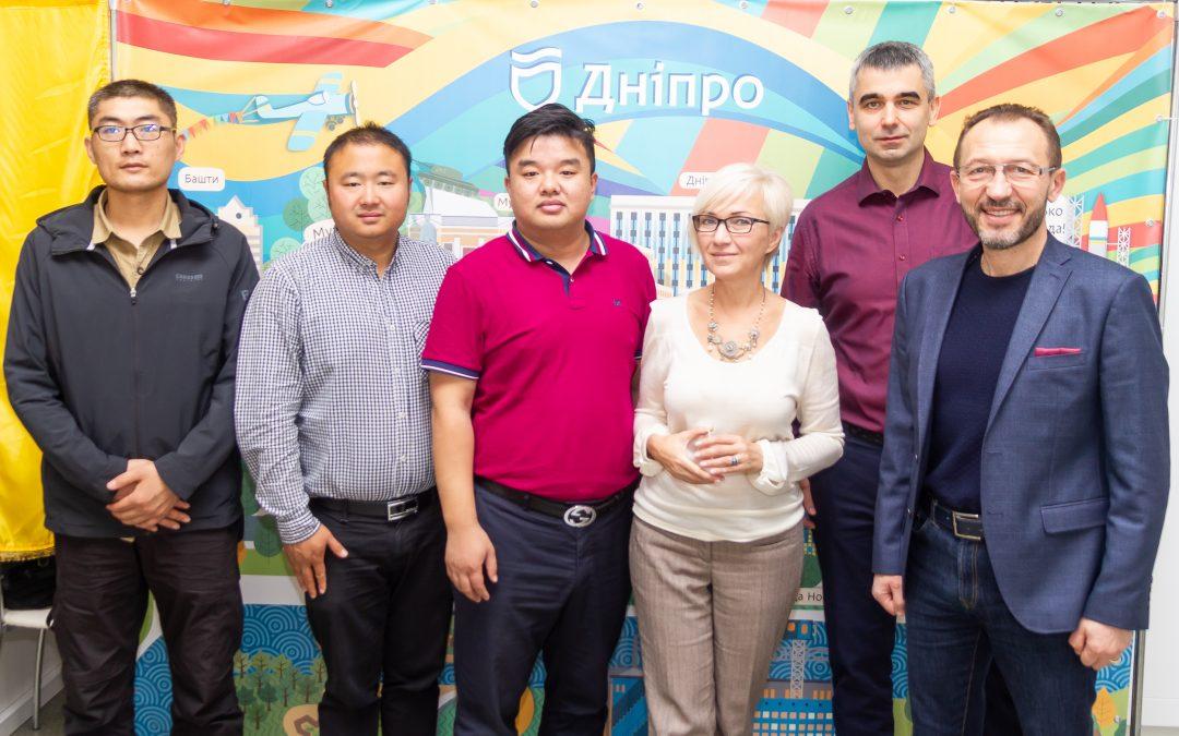 Новий шовковий шлях КНР: чи проляже він через українське місто Дніпро?
